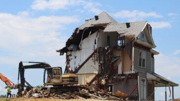 wyburzenia domu